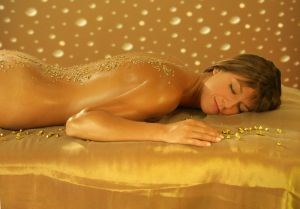 luxury day spa gold (300 x 209)